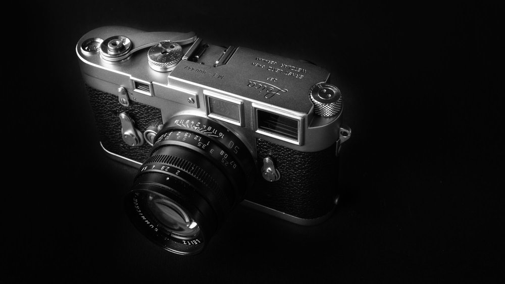 Few could deny that the Leica M3, seen here in the early double-stroke version, deserves a place in the top-ten film cameras of all time. This shot was taken by Claus Sassenberg of his own M3 and featured in his  Macfilos article here .