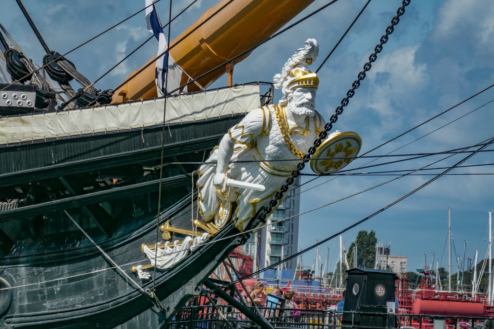Warrior's fighting figurehead captured at 360mm, f/6.4 and 1/800s