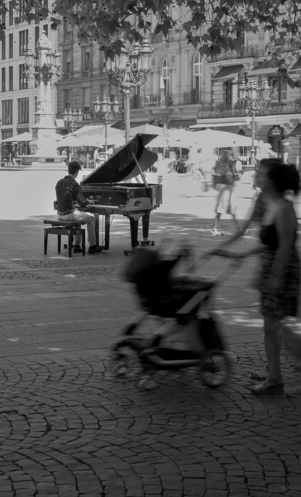 Kevin A Frankfurt Pianist 2.jpg