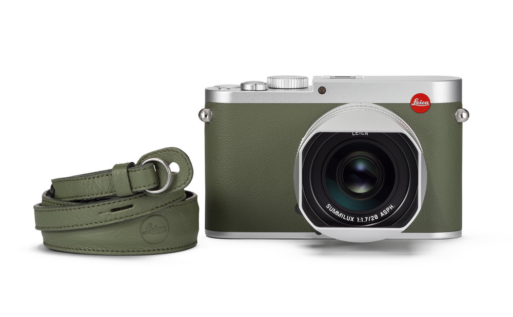 Leica Q khaki_carrying strap_front_RGB.jpg