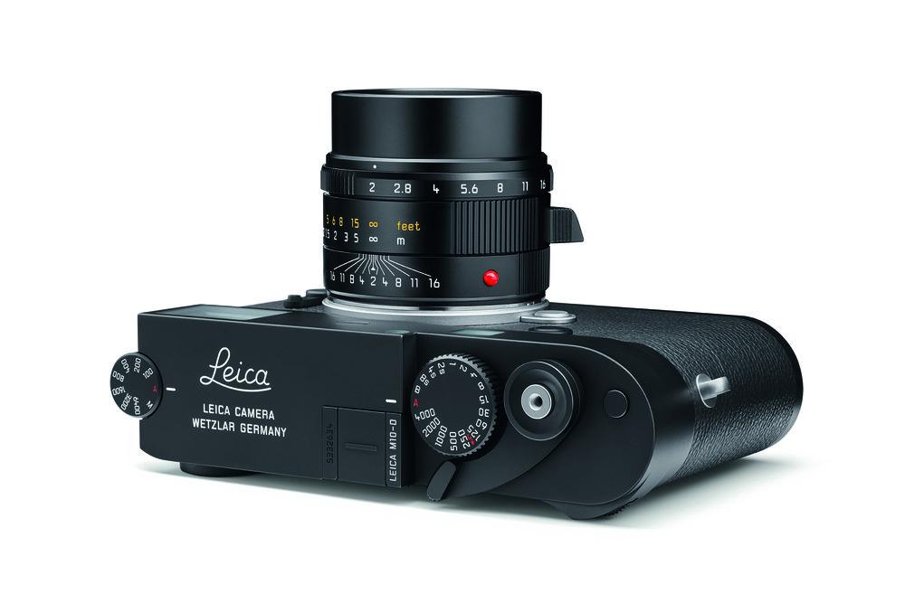 Leica_M10-D_Totale_liegend_weiss_LoRes_CMYK.jpg