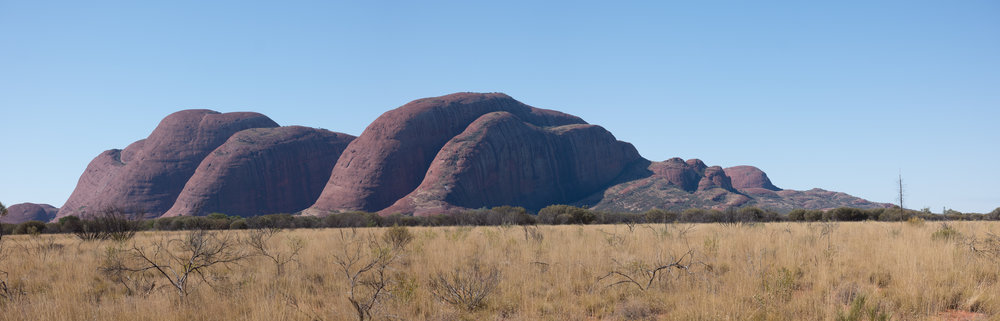 Kata Tjuta around midday from the south-west, panoramic stitch (four shots), Leica CL and 55-135mm lens