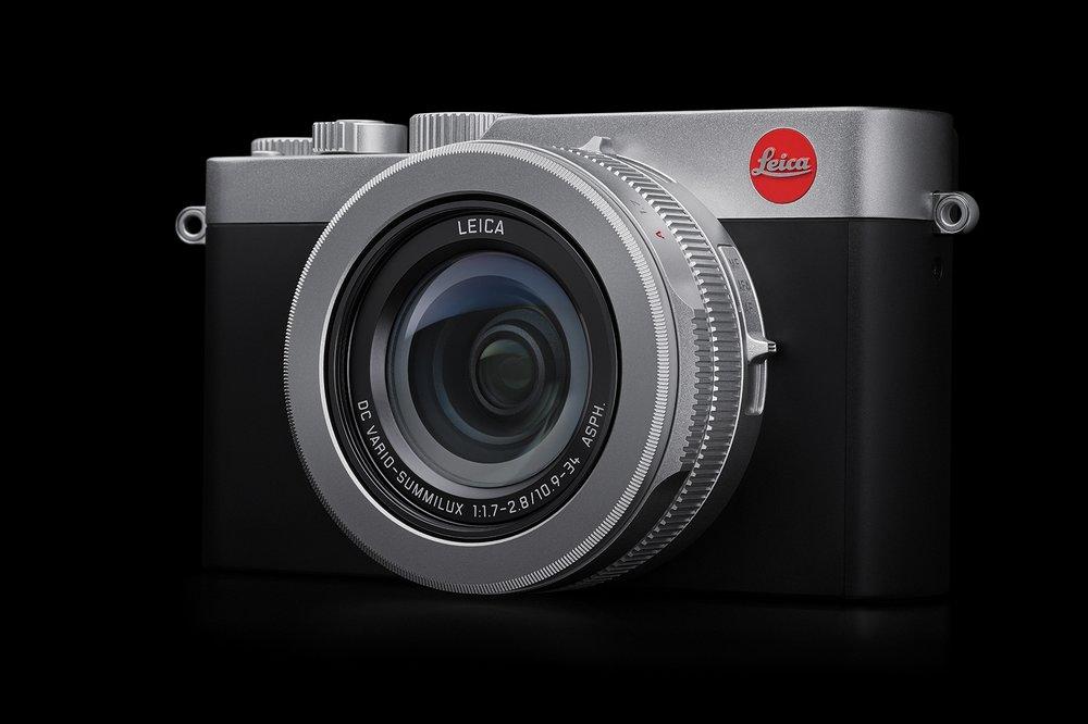 Leica D-Lux7_on black.LoRes.RGB.jpg