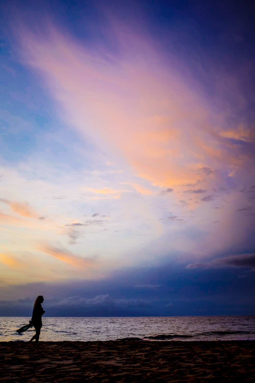 sm_unk-beachgoer-sunset-20141106_X100S_DSCF0762-Edit.jpg