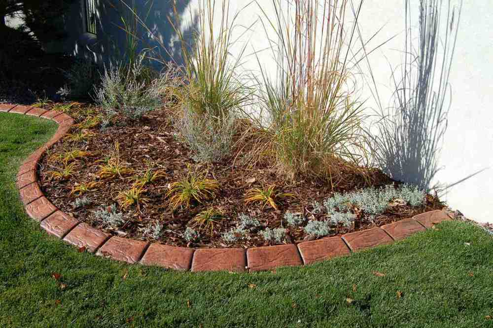 Garden Design With Lawn Edging U Colorado Landscaping For Your Lawn And  Garden With Small Backyard