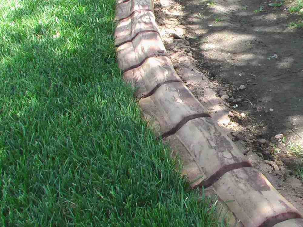 Mow Strip concrete edger.jpg