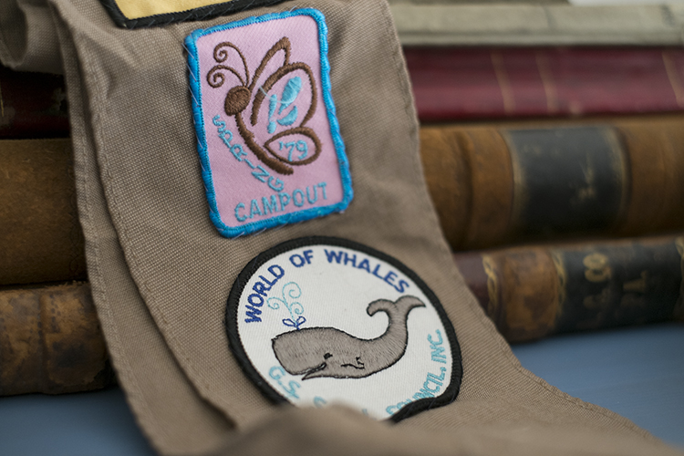 Vnitage girl scout patches.jpg