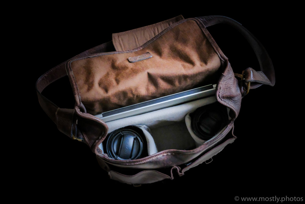 "ONA Prince Street Leather Messenger Bag - MacBook Pro 13"", Fuji 10-24mm and Fuji 18-135mm with central area for X-T2"