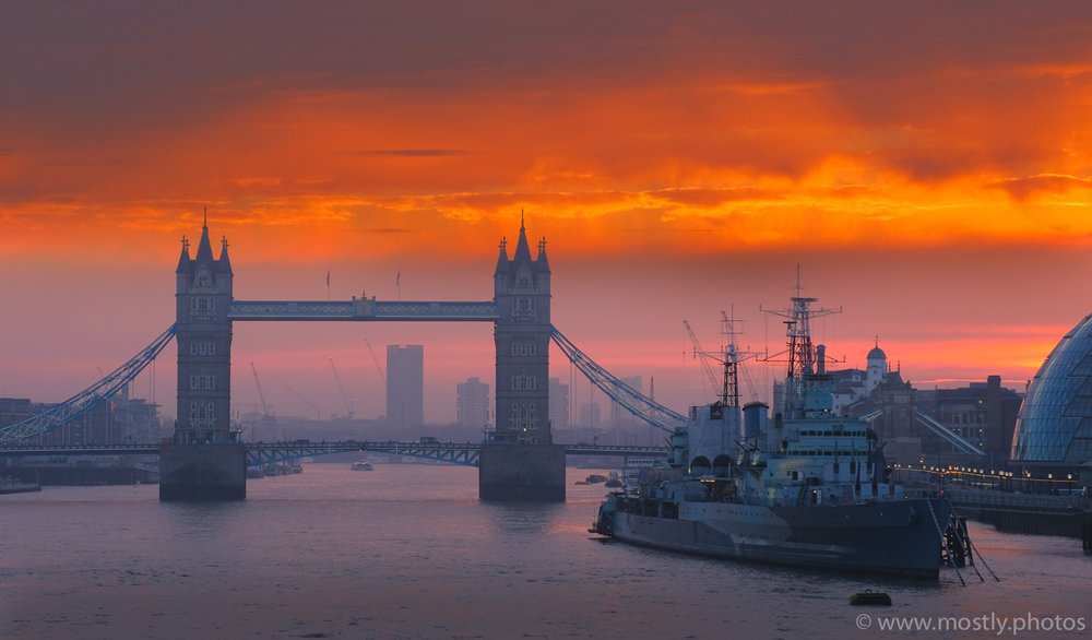 Fuji X-T2 and 18-135mm - Tower Bridge at Sunrise