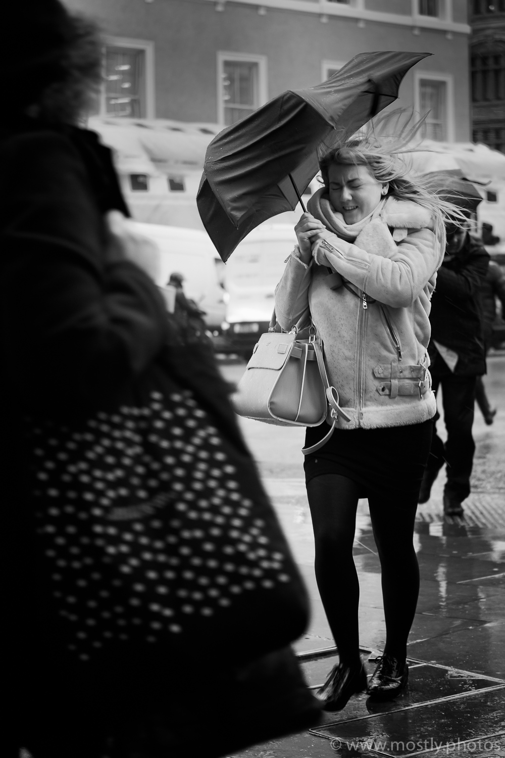 Fuji X-T2 and 35mm f2 - Wet and Windy London Commuters