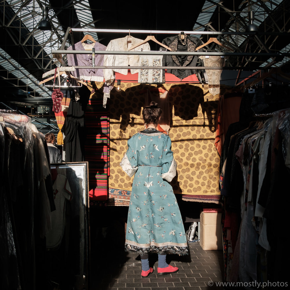 Fuji X-T2 and 18-135mm Color in Spitalfields Market, London