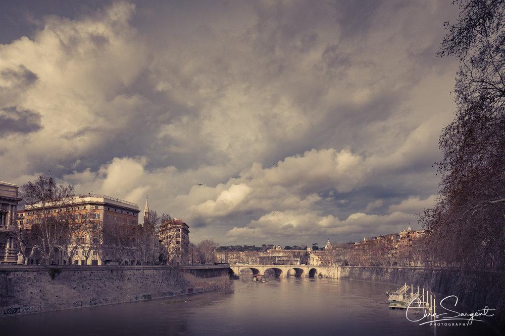 Fuji X-T2, 16mm f1.4 River Tiber, Rome