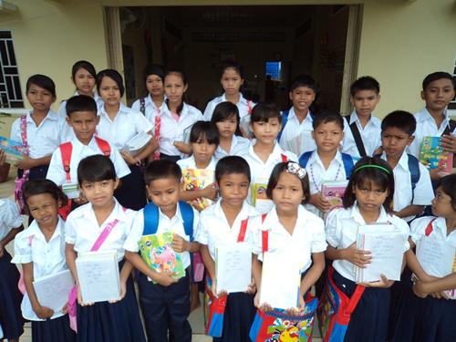 BB8 kids ready for school.
