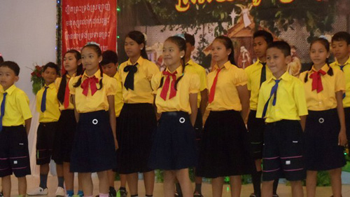 BB5 children performing a song at church.