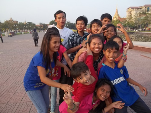 PE1 kids visiting a park in the city of Phnom Penh.
