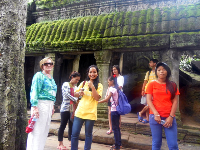 BB 1 kids and team to visit Angkor Wat temple.JPG
