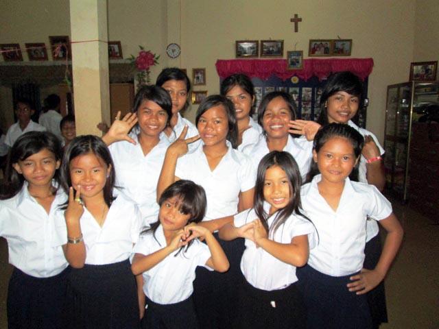 Prek Eng 5 kids Looking great in their new uniforms!