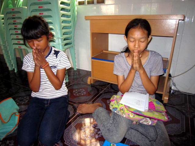 They're praying .JPG