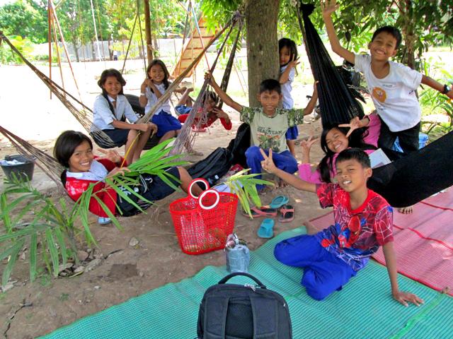 Pe 5 kids are enjoy on weekend.JPG