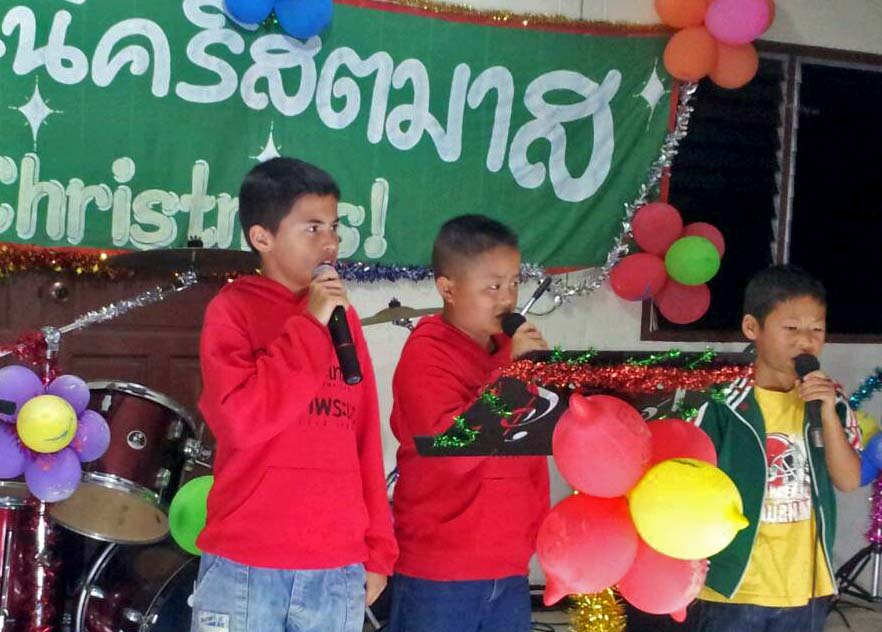 The talented children of Wiang Pa Pow worked hard on their many special holiday performaces.