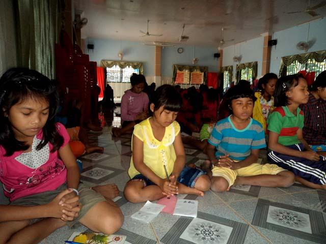 Family devotionals and prayer at Battambang 8.