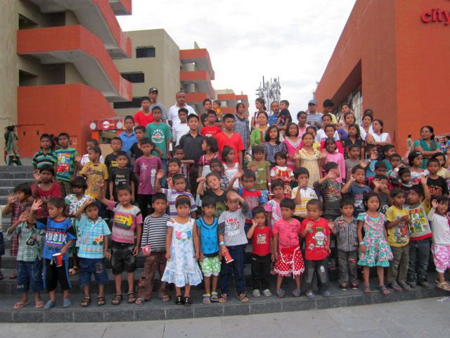 The children and staff of Asia's Hope India.