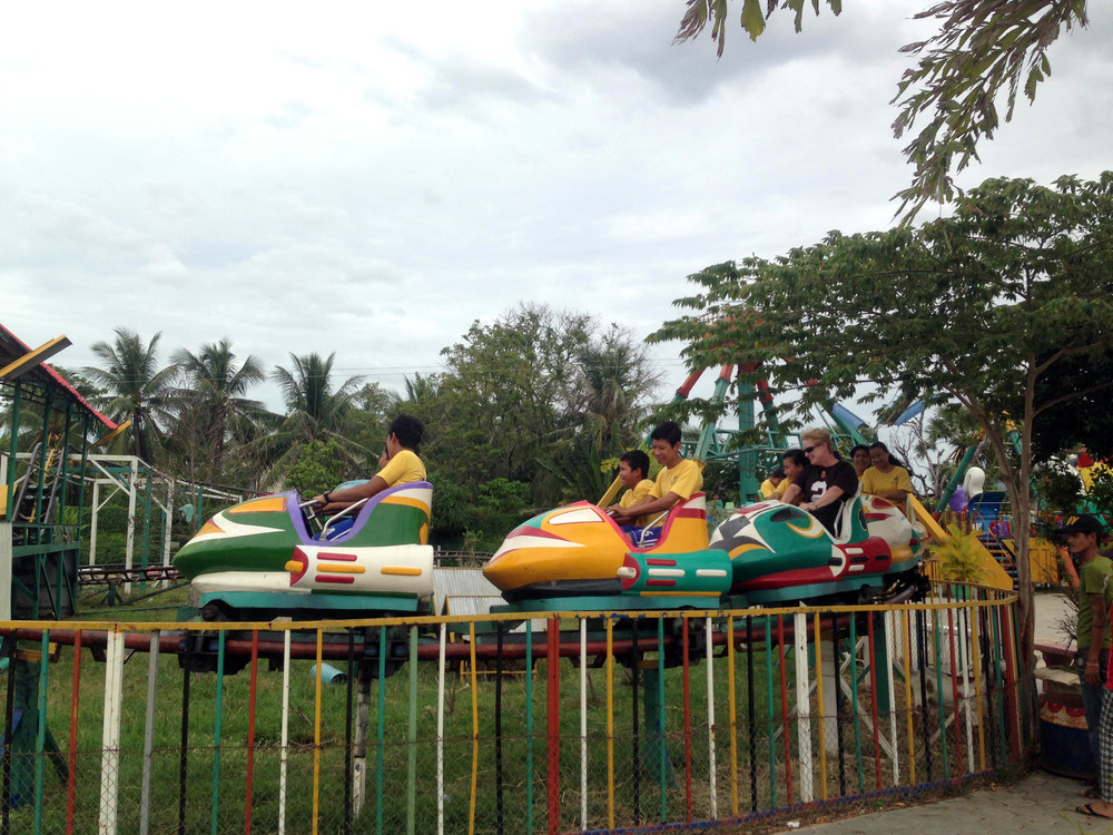 The team from Western Reserve treated the kids and staff to a trip to a local amusement park.
