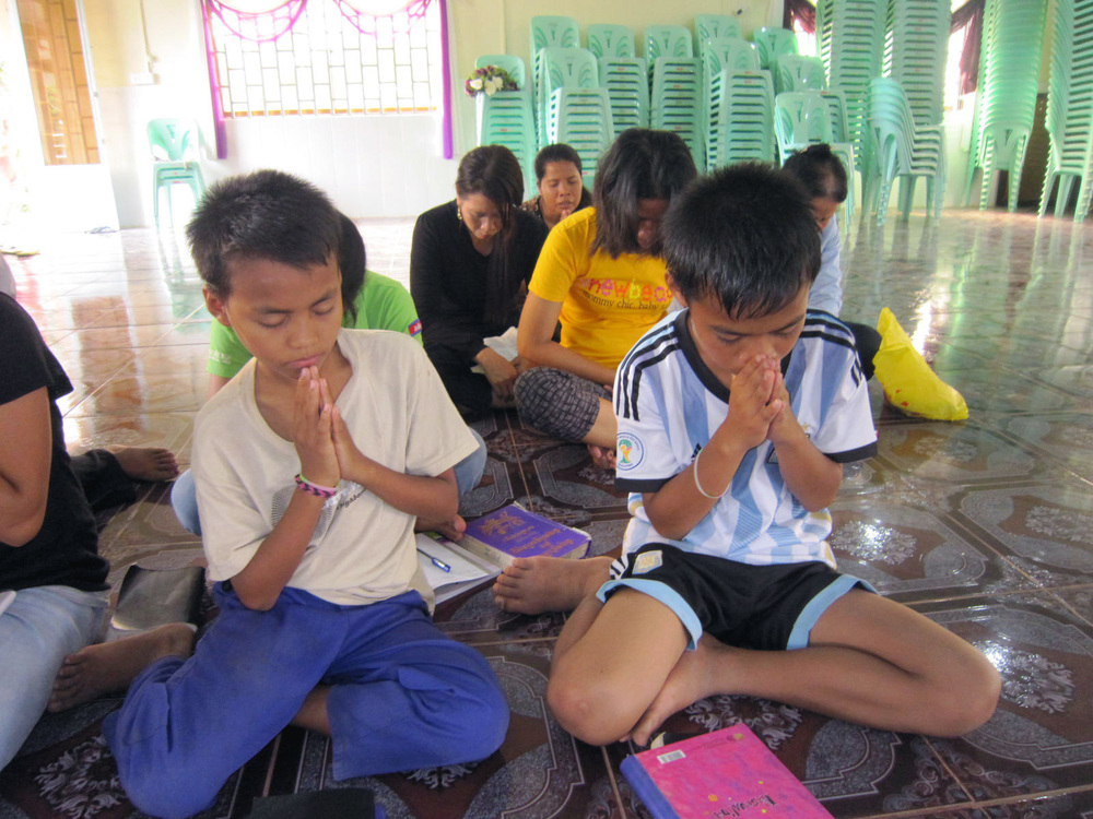 They're enjoy fasting prayer .JPG