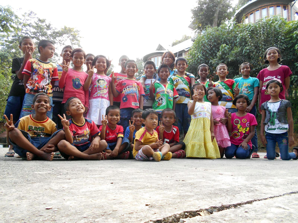 """Hello"" from the Kalimpong 3 children's home!"