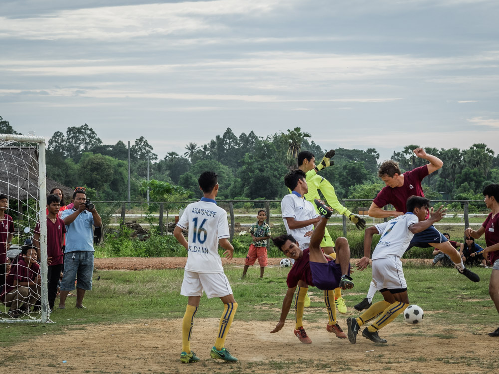 In a hard-fought match, the team from Battambang defeated the team from Prek Eng 3-1