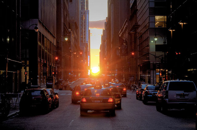 1.  Manhattanhenge 2011 is almost here: dates and times  http://bit.ly/kpYFMb  