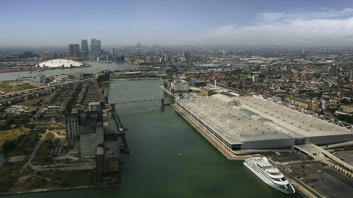 VIEW OF THE EXCEL CENTRE AND THE NORTH GREENWICH ARENA