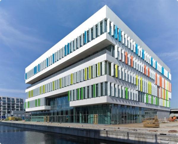 Superstructure-Orestad-Gymnasium-Designed-by-3XN_1-600x487.jpeg