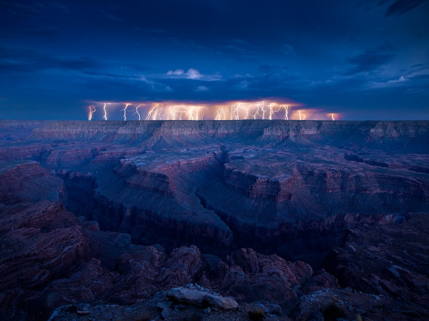 40-+-Outstanding-Photographs-of-Lightning-@-GenCept_02.jpeg