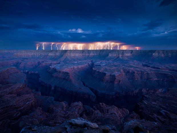 40-+-Outstanding-Photographs-of-Lightning-@-GenCept_02.jpeg