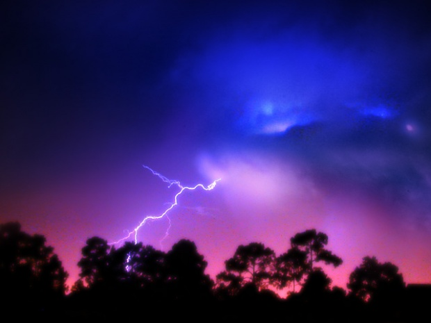 40-+-Outstanding-Photographs-of-Lightning-@-GenCept_15.jpeg