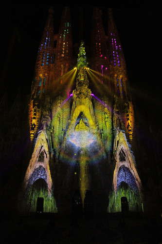 1670855-slide-gaudi-light-projection-0166.jpeg