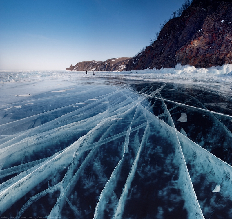 Ice-on-Lake-Baikal-06.jpeg