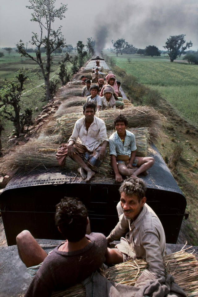 Trains-Steve-McCurry3-640x960.jpeg