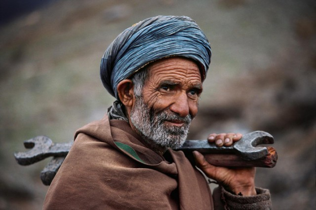 Trains-Steve-McCurry5-640x426.jpeg