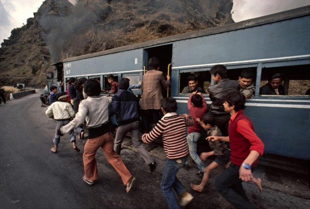 Trains-Steve-McCurry13-640x431.jpeg