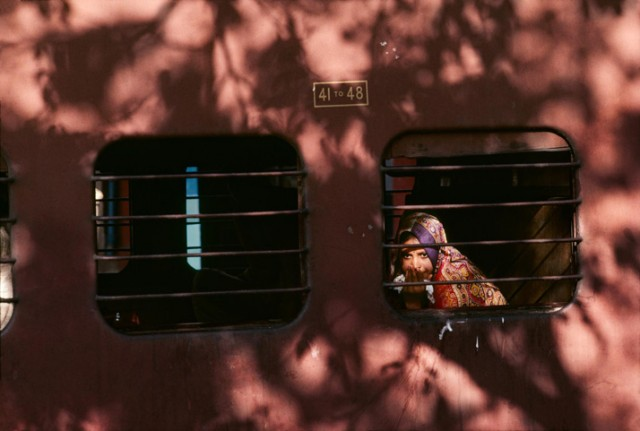 Trains-Steve-McCurry12-640x431.jpeg