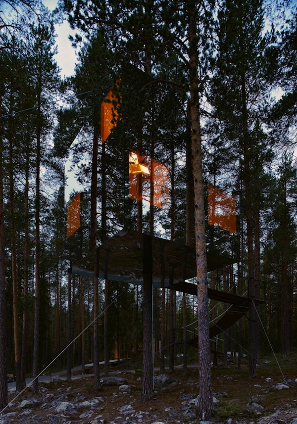 The Mirrorcube by Tham & Videgård at Treehotel – Harads, Sweden