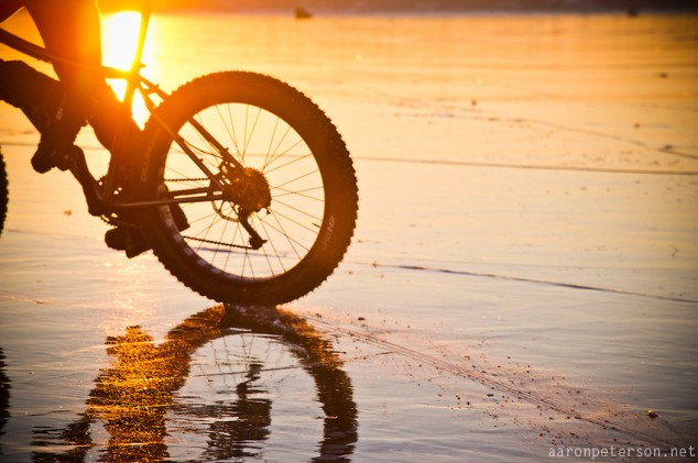 Ice-biking-on-Lake-Michigan-13-634x421.jpg