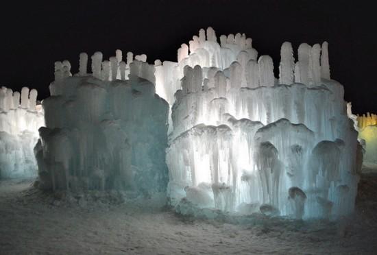 Brent-Christensen-Ice-Castle4-550x372.jpg