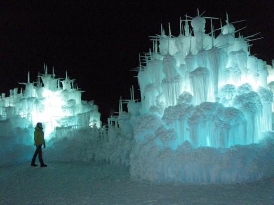 Brent-Christensen-Ice-Castle2-550x412.jpg