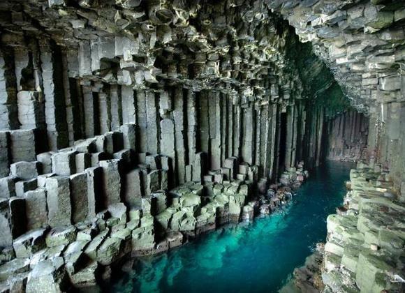 Fingals_Cave.jpg