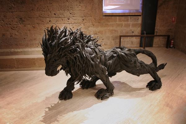 Yong-Ho-Ji-tire-sculptures-2.jpg