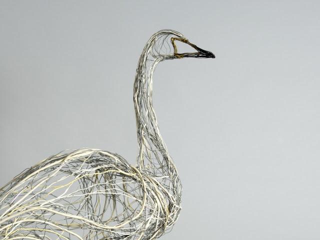 عکس6:اخبار علم فناوری آموزش در علمها-ساخت مجسمه با سیم تلفن