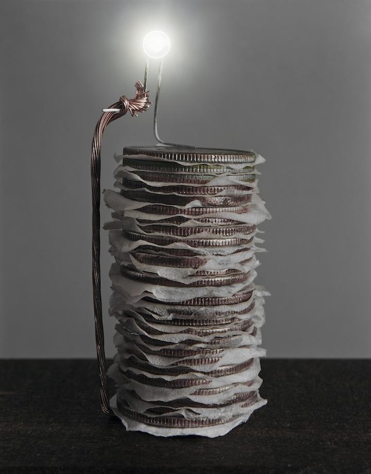 عکس9:اخبار علم فناوری آموزش در علمها-تولید برق از میوه و خلق آثار هنری